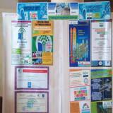 Αφίσες σε Μουσαμά προβολής των Διεθνών Βραβεύσεων του οικολογικού Γυμνασίου Κοίμησης